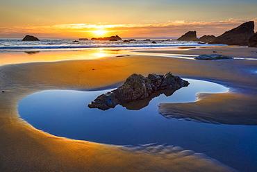 Sunset over sea, Bandon, Oregon, USA