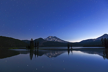 Sparks Lake at night, Deschutes County, Oregon