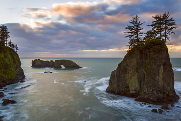 Scenic view of seascape at sunset, Sam Boardman Park, Oregon