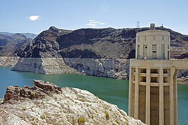 Nevada, Hoover Dam on sunny day