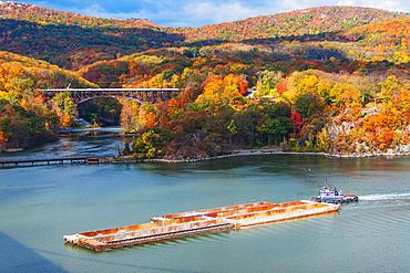 USA, New York, Bear Mountain in autumn