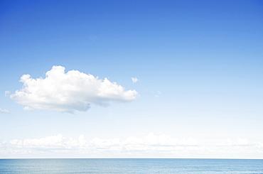 North Carolina, Blue sky over sea