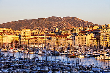 France, Provence-Alpes-Cote d'Azur, Marseille, Vieux port - Old Port with mountain in background