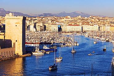 France, Provence-Alpes-Cote d'Azur, Marseille, Cityscape with Vieux port - Old Port