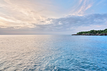 Jamaica, Negril, Tranquil seascape in sunset