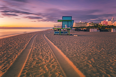 USA, Florida, Miami, Lifeguard hut on beach at dusk