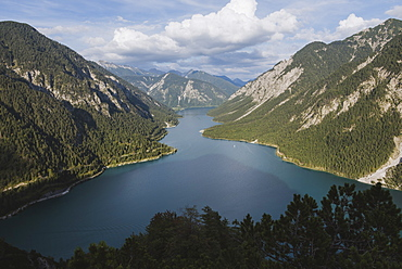 Austria, Plansee, Scenic view of lake Plansee in Austrian Alps