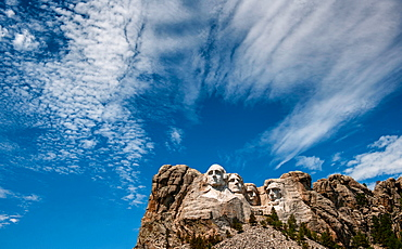 USA, South Dakota, Mount Rushmore, Clouds above Mount Rushmore Monument
