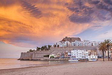 Spain, Valencian Community, Peniscola, Historical town at coastline at dusk