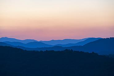 USA, Georgia, Blue Ridge Mountains at dawn