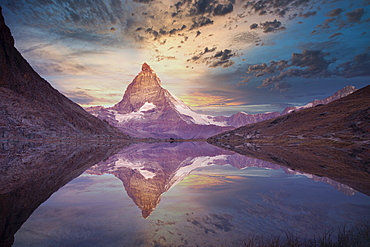 Switzerland, Canton Wallis, Zermatt, Matterhorn, Matterhorn reflecting in Riffelsee Lake
