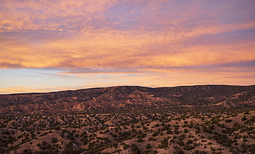 USA, New Mexico, High Road to Taos, Sunset over desert