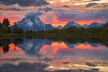 United States, Wyoming, Teton National Park, Sunset over Oxbow Bend in Grand Teton National Park