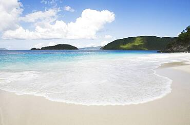 USA Virgin Islands, St. John, Beach at Cinnamon Bay, Virgin Islands National Park