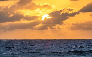 USA, Florida, Boca Raton, Sunrise over sea