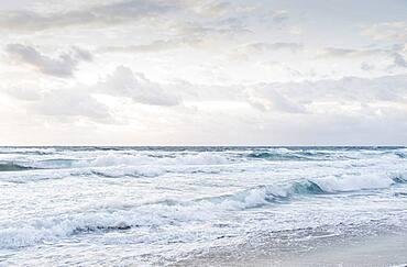 USA, Florida, Boca Raton, Sea waves and white clouds