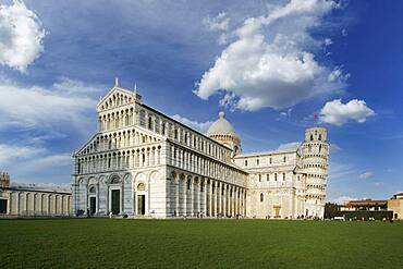 Italy, Tuscany, Pisa, Pisa Cathedral and Leaning Tower