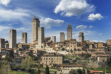 Italy, Tuscany, San Gimignano, Medieval towers and buildings