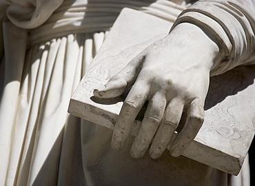 Statue of Leonardo Da Vinci Uffizi gallery Florence Italy