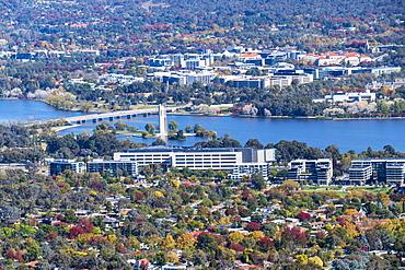 Australia, Australian Capital Territory, Canberra, Cityscape with Lake Burley Griffin
