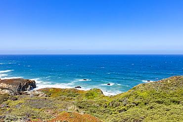 Usa, California, Big Sur, Pacific Ocean coastline with cliffs
