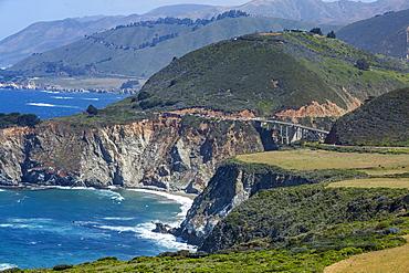 Usa, California, Big Sur, Pacific Ocean coastline with rocky cliffs