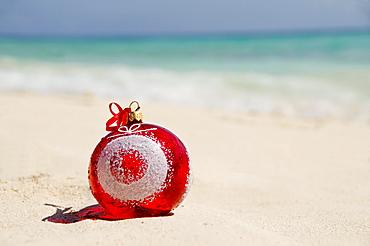 Mexico, Playa Del Carmen, christmas decoration on beach