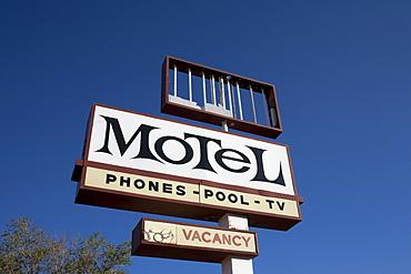 USA, Arizona, Winslow, Old motel sign