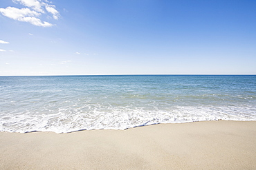USA, Massachusetts, Waves at sandy beach