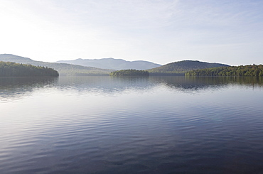 USA, New York State, Adirondack Mountains, Lake Placid in morning