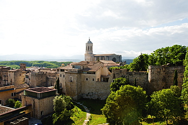Townscape with church, Spain, Catalonia, Girona