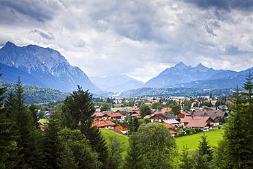 Scenic mountain town