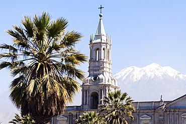 Basilica Cathedral of Arequipa and El Misti Volcano, Arequipa, Peru
