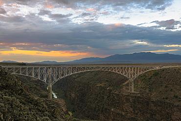 Rio Grande Bridge, USA, New Mexico, Taos, Rio Grande Bridge