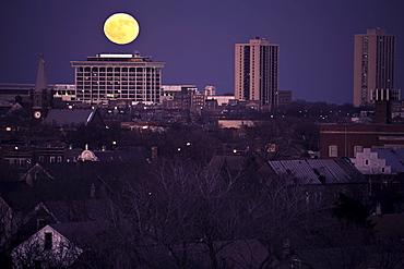 USA, Illinois, Chicago skyline with full moon