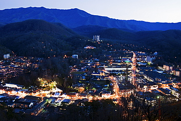 USA, Tennessee, Gatlinburg, Elevated view of city at dawn
