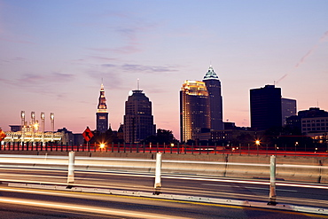 USA, Ohio, Cleveland, City seen from expressway at sunset