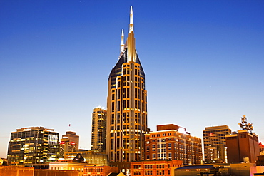 USA, Tennessee, Nashville, Evening skyline