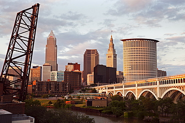 USA, Ohio, Cleveland, City at sunset