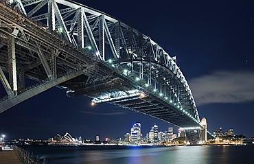 Australia, Sydney, Sydney Harbour Bridge at night