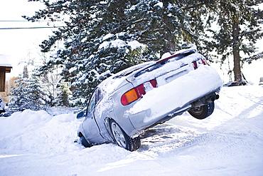 USA, Montana, Car buried in snow