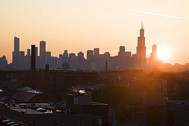 USA, Illinois, Chicago skyline at sunrise