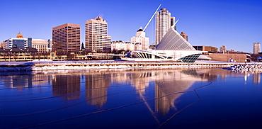 USA, Wisconsin, Milwaukee harbor