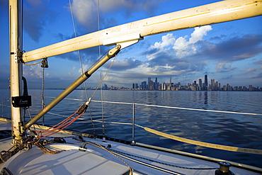 USA, Illinois, Chicago, City skyline from yacht on Lake Michigan