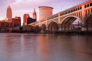 Cleveland, USA, Ohio Cleveland, cityscape with arch bridge