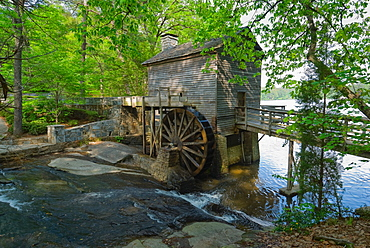 USA, Georgia, Stone Mountain, Watermill in trees