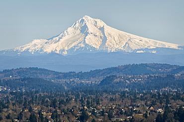USA, Oregon, Mount Hood in winter
