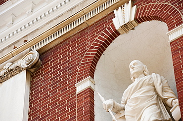 Statue of Ben Franklin