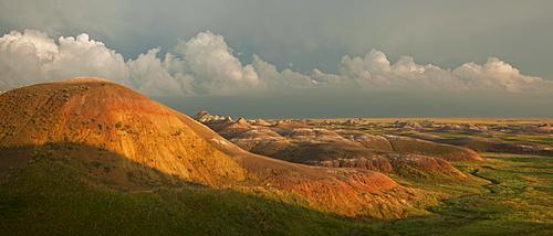USA, South Dakota, Mountains in Badlands National Park at sunset