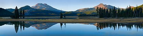 USA, Oregon, Sparks Lake